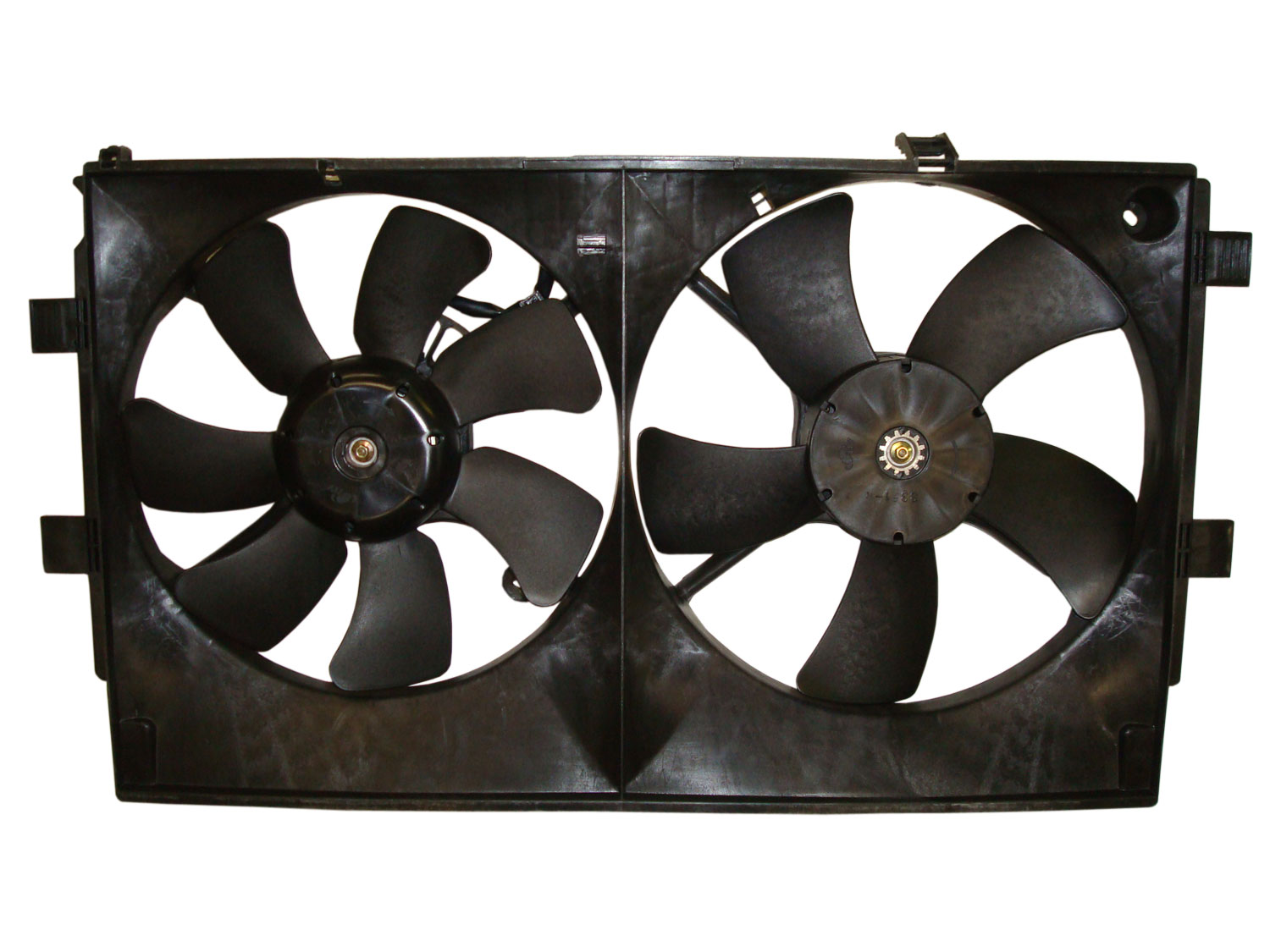 TYC # 622450 Radiator Fan Fits OE # MR312899